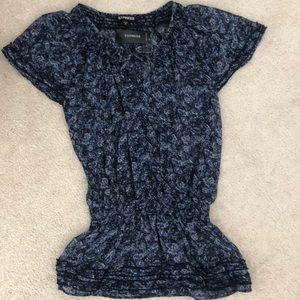 New! Super cute short sleeve floral shirt